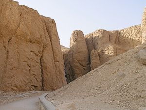Valley of the Kings to the tomb of ThothMoses III